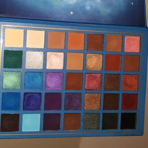 ELSA palette by Beauty Creations 100% AUTH